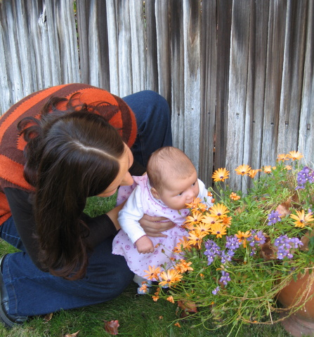 Ania introduces Ari to flowers