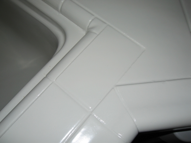 Kitchen tile counter - AFTER