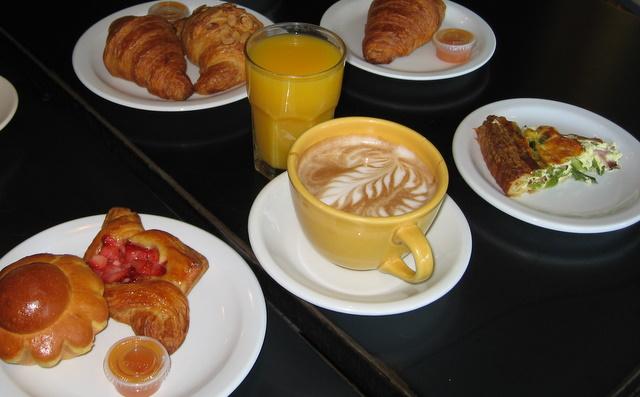 Seattle2007 Besalu Breakfast